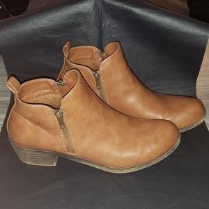 JESSICA CLINE ANKLE BOOTS